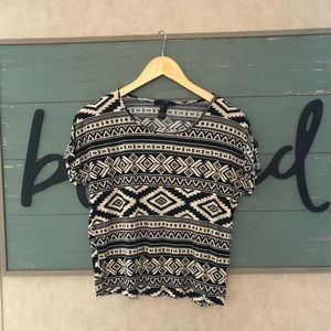 4/$12 💛 Forever 21 Top